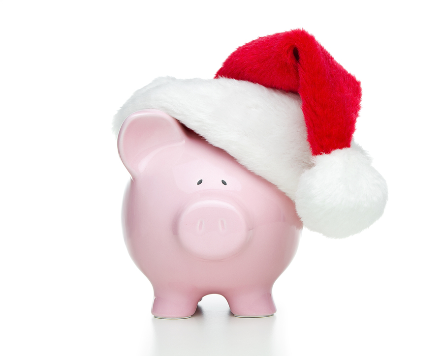 3 Tips For Saving Money This Holiday